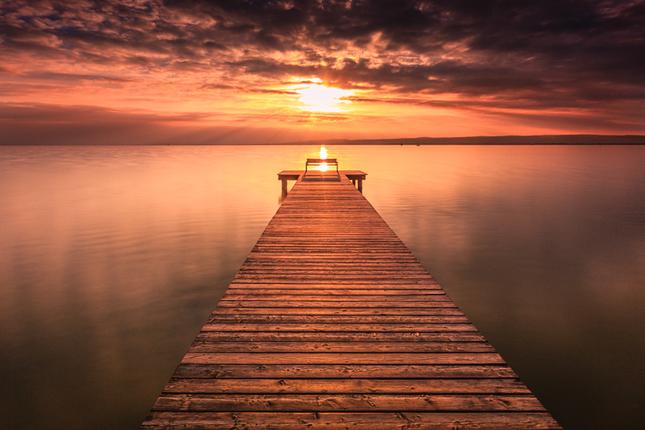 Zármutok znesieš sám, ale o radosť sa musíš podeliť